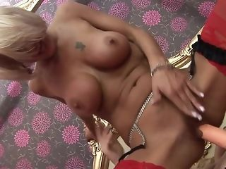 Blonde's snatch guzzles a gigantic fucktoy in an incredible activity freesex