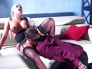 Jaw–Dropping Pussy Eating Vignette Featuring Posh Blondie In Pantyhose