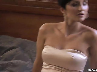 MAGMA FILM Sexy Milf wants level with hot