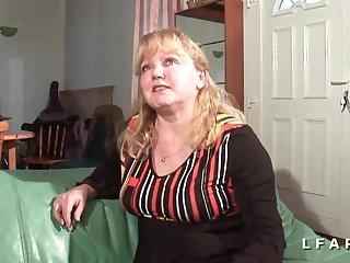 Midget grosse mature sodomisee et fistee par son mari