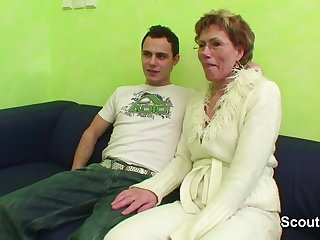 Granny Caught Young Boy Watch Porn and Endorse with Fuck